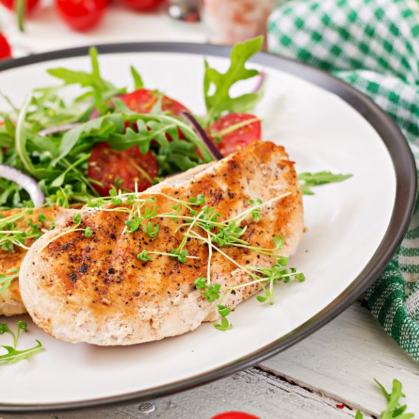grilled-chicken-fillet-fresh-vegetable-salad-tomatoes-red-onion-arugula-chicken-meat-salad-healthy-food_2829-6942